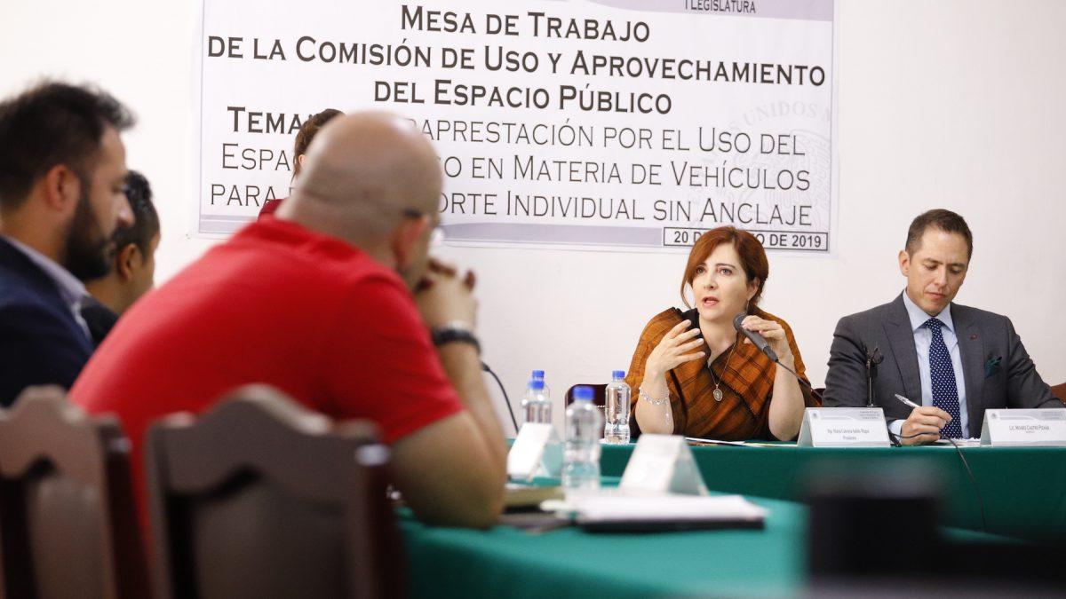 Beneficios y obligaciones para empresas, analizan diputados y empresas que explotan el espacio público