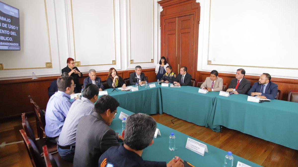 Dip. Gabriela Salido llama a a autoridades a construir marco normativo para resolver problemática de autos abandonados